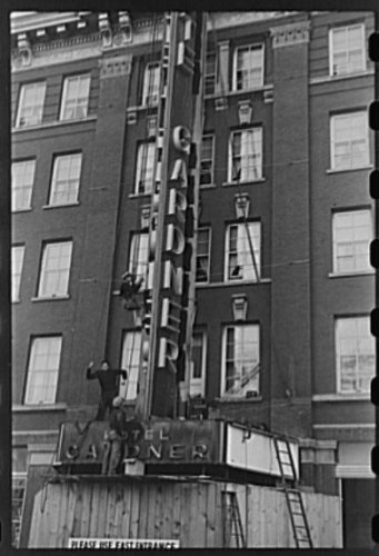 HistoricalFindings Photo: Photo of Erecting neon Sign,Fargo,North Dakota,ND,Farm Security Admin,FSA