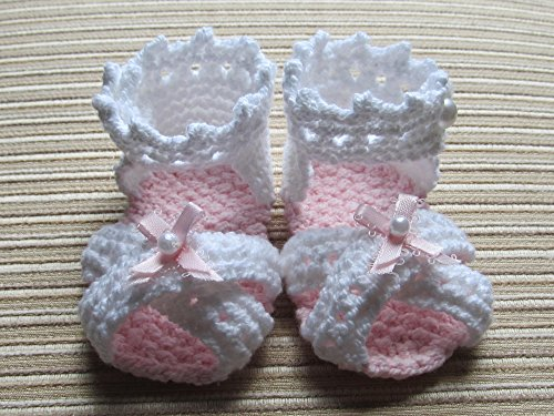 Knitting Pattern Baby Girl Sandals with Ribbon Bows 0-3, 3-6, 6-9 Months (English Edition)