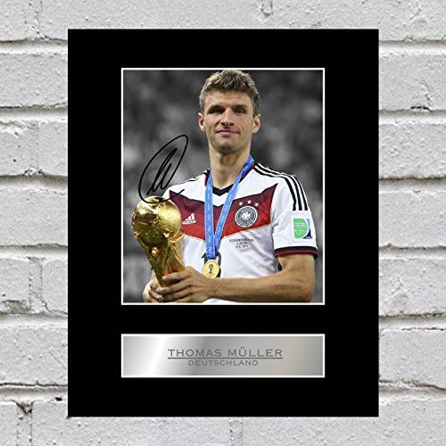 Thomas Müller - Deutschland - Signiertes Foto-Display/Passepartout