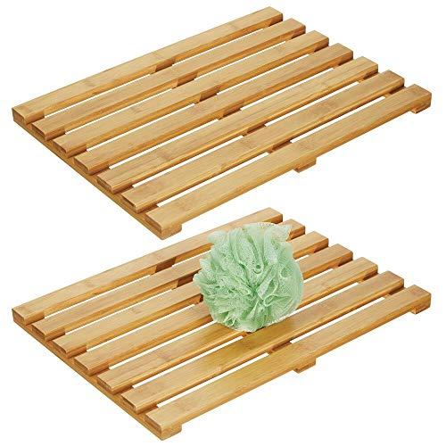 mDesign Set da 2 Pedane doccia legno – Tappeto antiscivolo doccia per interni ed esterni – Tappeto di bambù rettangolare a doghe – Accessori per il bagno ecologici e decorativi – bambù