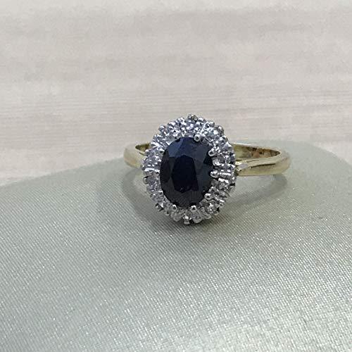 Diamonds in the Sand 9 Karat Saphir aus Gelb- und Weißgold und ovaler Diamant-Halo-Verlobungsring