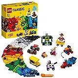 LEGO Classic Mattoncini e Ruote, Set di Costruzioni per Bambini 4+ Anni con Modelli di Auto da Corsa, Treni, Robot, 11014