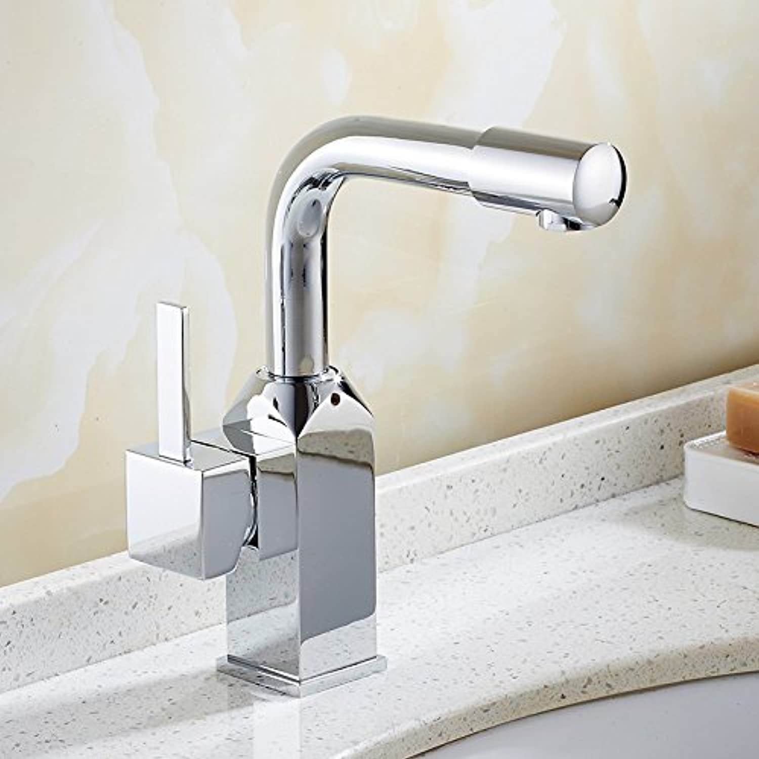 The Design of The Bridge of The mounting of Faucet Kitchen Mixer Faucet Chrome Handle with a Brass Coil
