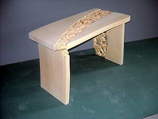 Tavolino intagliato