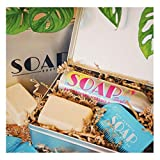Surf Essentials - Set de regalo para limpiador de trajes de neopreno + cera de surf + peine de cera, respetuoso con el medio ambiente, vegano, seguro para los arrecifes, regalo de surf