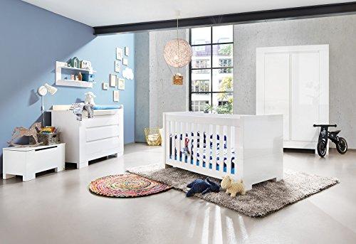Pinolino Kinderzimmer Sky breit, 3-teilig, Kinderbett (140 x 70 cm), breite Wickelkommode mit Wickelaufsatz und Kleiderschrank, weiß Hochglanz (Art.-Nr. 10 34 98 B)