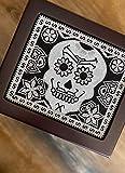 HUMIDOR ARTESANAL | Caja para cigarros y puros | Humidificador | Marca Zaxic | Modelo Calaca Negra | Hecho a mano | Arte Huichol