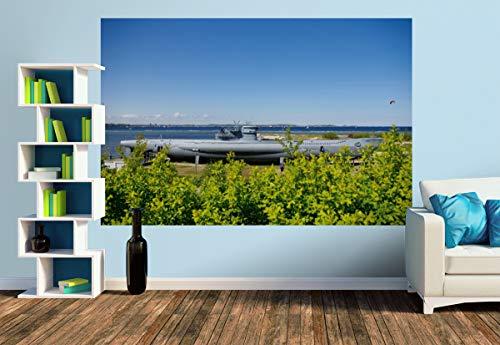 Premium Foto-Tapete U-Boot von Laboe (versch. Größen) (Size M | 279 x 186 cm) Design-Tapete, Wand-Tapete, Wand-Dekoration, Photo-Tapete, Markenqualität von ERFURT
