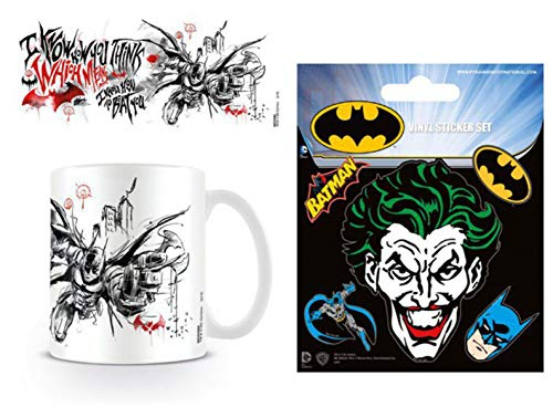 1art1 Batman, Arkham Knight, I Know How to Beat You Foto-Tasse Kaffeetasse (9x8 cm) Inklusive 1 Batman Poster-Sticker Tattoo Aufkleber (12x10 cm)