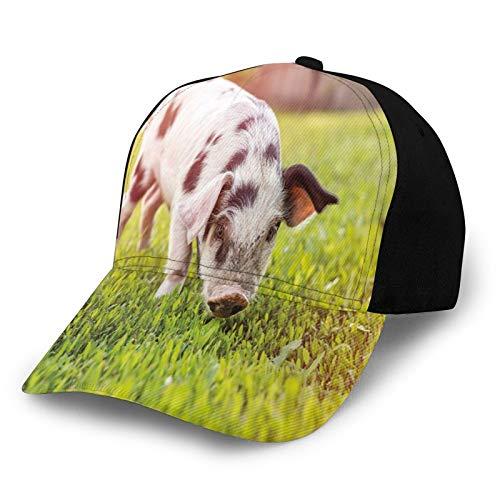 FULIYA Gorra de béisbol unisex con borde curvado Foto de encantador cerdo bebé con puntos que camina sobre la hierba borrosa telón de fondo de poliéster tela de tela de Papá sombrero de béisbol gorra