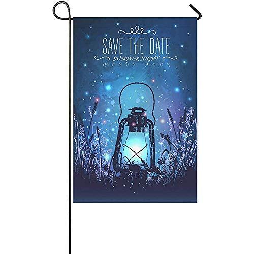 AllenPrint Family Flag,Incroyable Lanterne Vintage sur l'herbe avec Le Drapeau De Jardin Magique Ligh Bannières De Jardin De Maison Créative pour Le Décor De Bienvenue De Jardin