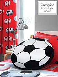 Score a goal with this football shaped black and white cushion. Catherine Lansfield is renowned for style and quality - An everyday essential. This pack contains one shaped cushion. Why not complete the look by purchasing the co-ordinating duvet, cur...