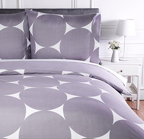 AmazonBasics Parure de lit avec housse de couette en microfibre, 260 x 240 cm, Violet à pois (Purple Mod Dot)