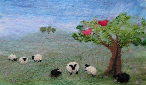 ARTFELT Schafe in der Landschaft Filz Set ist ein sorgfältig entworfenes Bastelset, welches Alles enthält,das nötig ist, damit Sie ein Bild mit Schaf, Baum und Vögel basteln können.