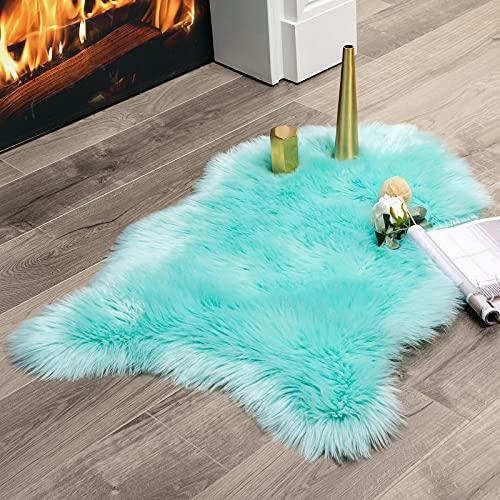 MIULEE Faux Fell Teppich Flauschig Weiche Warm Modern Bodenmatte Sofa Matte Kunstfell Dekofell Unregelmäßig Bettvorleger Wolle Longhair Optik Gemütliches 60 x 90cm Blau