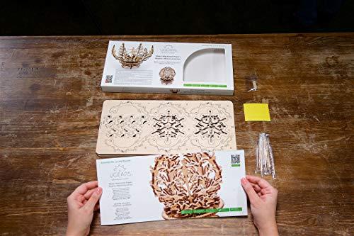 Die Blume von Ugears ist ein mechanisches 3D-Puzzle-Rätsel für Kinder und Erwachsene