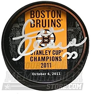 Zdeno Chara Boston Bruins Signed 2011 Stanley Cup Champions Banner Puck