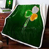SUN-Shine Sherpa Fleece Throw Blanket Irish Color Lucky Shamrock Home Decor Reversible Fuzzy Warm and Cozy Throws, Happy St. Patrick's Day Super Soft Plush Bed TV Blankets for Couch/Sofa/Travel
