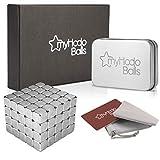 myHodo Cubetti Magnetici Set Premium con Accessori, Gadget per ufficio Strani Innovativi e Antistress, 100 Calamite extra Potenti di 5mm, Idea Regalo, Mini Calamite per Lavagne o Pannelli Magnetici