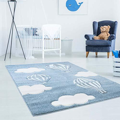 Kinderteppich Bueno mit Heißluft-Ballon, Wolken in Blau mit Konturenschnitt, Glanzgarn Kinderzimmer; Größe: 80x150 cm