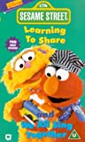 Sesame Street - Learning To Share/we All Sing... [VHS] [UK Import] - Jim Henson