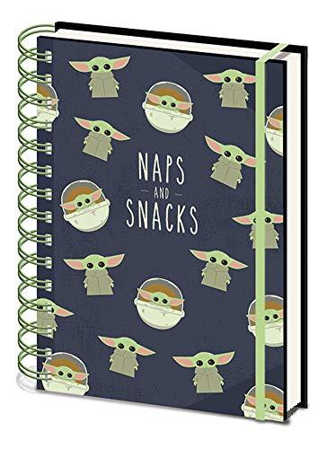 Empireposter Star Wars – The Mandalorian – Naps and Snacks – Cuaderno en formato A5 – 15 x 21 cm