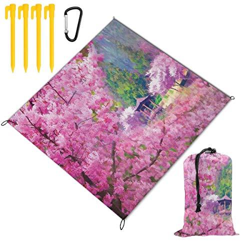 NOLYXICI Faltbare Picknickdecke 145x150cm,Landschaft mit Sakura Flower Distant Mountain Japanischer Pavillon Wald,Stranddecken im Freien wasserdichte sanddichte tragbare Matte für Wandern,Camping