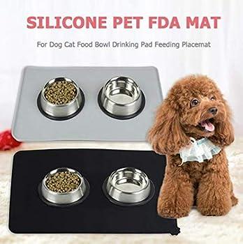 Szetosy Tapis d'alimentation en silicone pour animaux de compagnie – 2 tapis de nourriture pour animaux de compagnie pour chiens et chats – Tapis antidérapant de qualité FDA – 47 x 30 cm, gris et noir