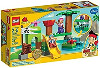Game / Play LEGO 10513 Never Land Hideout, Accessories include a gold doubloon and Tiki and flag Toy / Child / Kid