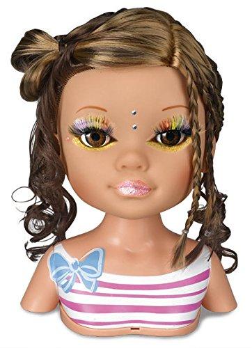 Nancy día de secretos de belleza: muñeca morena, accesorios de maquillaje y peluquería (Famosa 700013522)