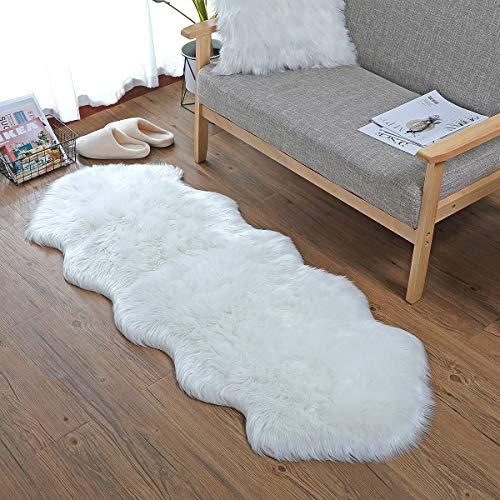 KAIHONG Faux Lammfell Schaffell Teppich (60 x 90 cm) Lammfellimitat Teppich Longhair Fell Optik Nachahmung Wolle Bettvorleger Sofa Matte (Weiß, 60x160cm)