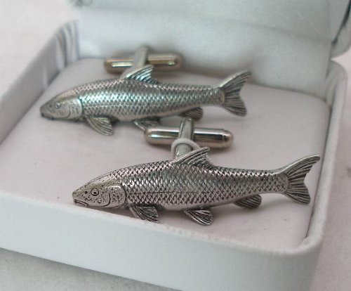 À pêche au barbeau Hoardersworld de boutons de manchette en étain avec boîte cadeau (pour la pêche)