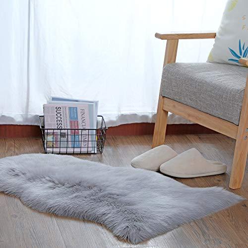 YIHAIC Falso Piel de Carnero Vellón Alfombra,Lujosa Suave Lana Artificial Alfombra para salón Dormitorio baño sofá Silla cojín (Gris2, 60 x 90 cm)