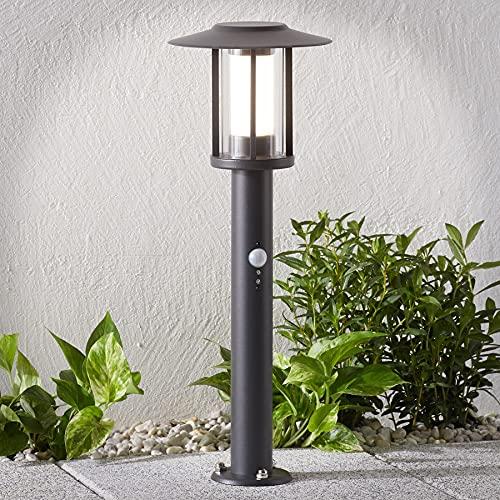 Lindby Edelstahl LED Sockelleuchte/Wegeleuchte mit Bewegungsmelder | spritzwassergeschützt IP44 | Aussenleuchte 44 cm inkl. 1x 5W LED A+ (fest verbaut)