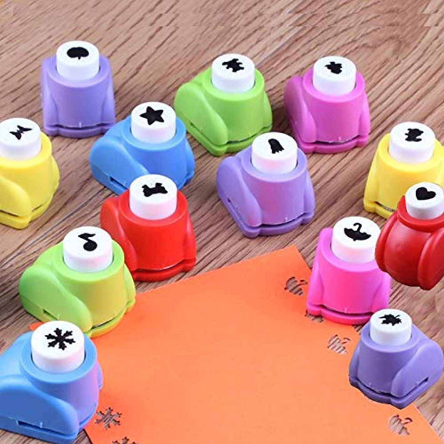 Fascola 13Pcs Christmas Tree Snowflake Paper Punch Scrapbooking Punches Handmade Hole Puncher Hand Press Shapes Craft Printing Shaper Puncher Random Shape Valentine's Day Gifts