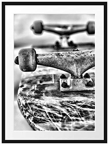 Picati Skateboard schwarz weiß Bilderrahmen mit Galerie-Passepartout/Format: 80x60cm / garahmt/hochwertige Leinwandbild Alternative