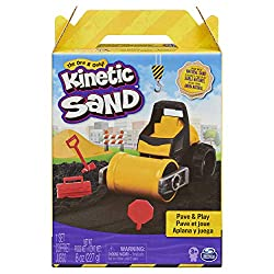 WORKING PAVER VEHICLE: The Pave and Play Set comes with a paver vehicle that has a working roller. Roll, compact and flatten Kinetic Sand and pave roads through your very own construction site. 227g BLACK KINETIC SAND: This set includes 227g of black...