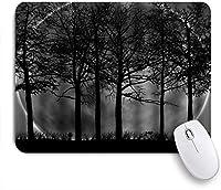 KAPANOUマウスパッド 抽象的な木と月の黒と白のデザインアート ゲーミング オフィス最適 おしゃれ 防水 耐久性が良い 滑り止めゴム底 ゲーミングなど適用 マウス 用ノートブックコンピュータマウスマット