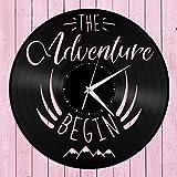 The Adventure Begins Reloj de Pared de Vinilo Amigos Decoración del hogar Diseño Vintage Oficina Bar Sala Decoración del hogar Peluquería Hombre Reloj de Pared con Disco de Vinilo -