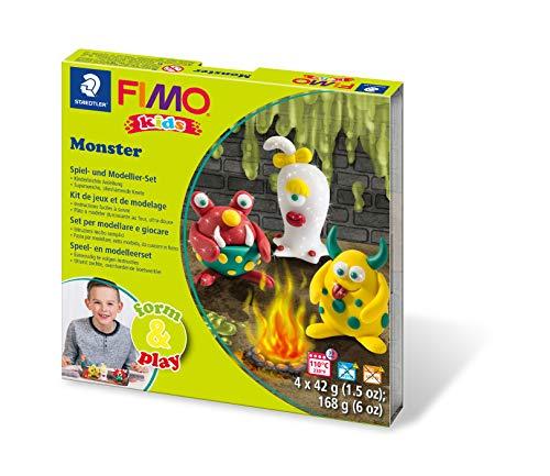 Staedtler 8034 11 LY Fimo kids form&play Set Monster (superweiche, ofenhärtende Knete, kinderleichte Anleitung, wiederverschließbare Box, Set mit 4 Fimo Blöcken, 1 Modellierstab und 1 Spielkulisse)