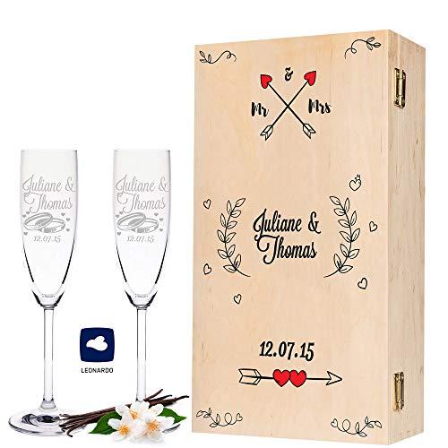 Leonardo Sektgläser mit Gravur Namen und Herzen inkl. bedruckter Holzkiste Mr. & Mrs. Design - 2er Set - Geschenk zur Hochzeit für Brautpaar