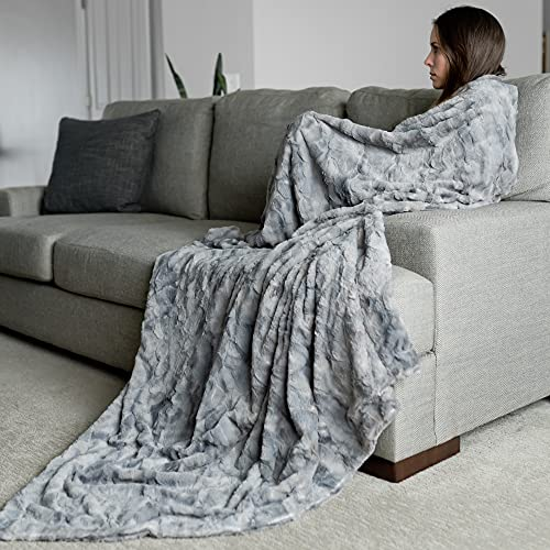 """Oversized Softest Warm Elegant Cozy Faux Fur Home Throw Blanket 60"""" x 80"""" by Graced Soft Luxuries, Marbled Gray"""