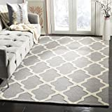 Safavieh Cambridge Collection CAM121D Handcrafted Moroccan Geometric Silver and Ivory Premium Wool Area Rug (4' x 6')