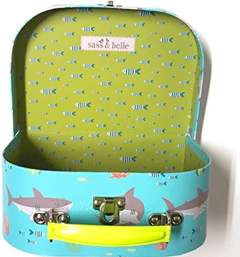 Sass and Belle koffer/kinderkoffer/poppenkoffer/opbergdoos. Kartonnen koffer, 3 verschillende maten. S/Klein Shelby The Shark