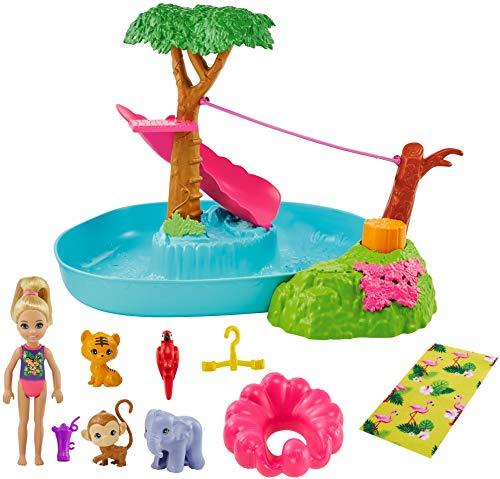 Barbie Chelsea El cumpleaños perdido Muñeca rubia con set de juego de agua, mascotas de juguete y accesorios (Mattel GTM85)