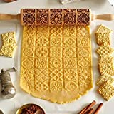 Xmas Christmas Wooden Rolling Pin, Engraved Embossing Rolling Pin Kitchen Decor Tools for Baking Embossed Cookies (Window Grilles)