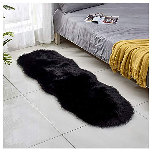 DaiHan Tapis en Peau de Mouton synthétique,Cozy Sensation comme véritable Laine Tapis en Fourrure synthétique Carpette Doux Chambre à Coucher Décoration Chaise Poil Long Noir 60 * 180cm