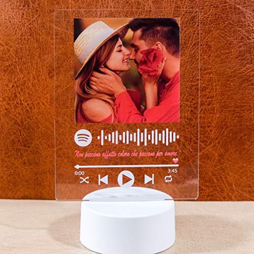 lampada multicolor Lampada led multicolore personalizzata con foto e codice spotify luce notturna 3D in acrilico con basetta led in vari colori e cavo usb