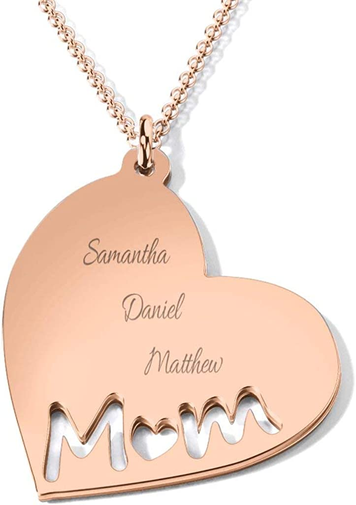 A mom/'s gold necklace