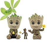Huike Macetero Baby Groot con llavero, innovadora figura de acción para plantas y soporte para bolígrafo, macetero, decoración para plantas, macetas, con agujero de drenaje para decoración (2 estilos)